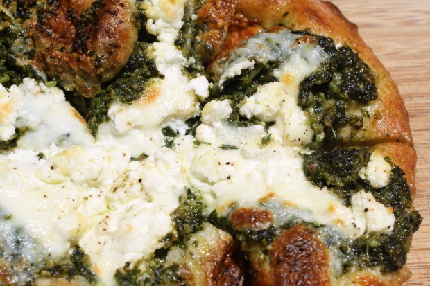 Pesto-Chèvre Pizza