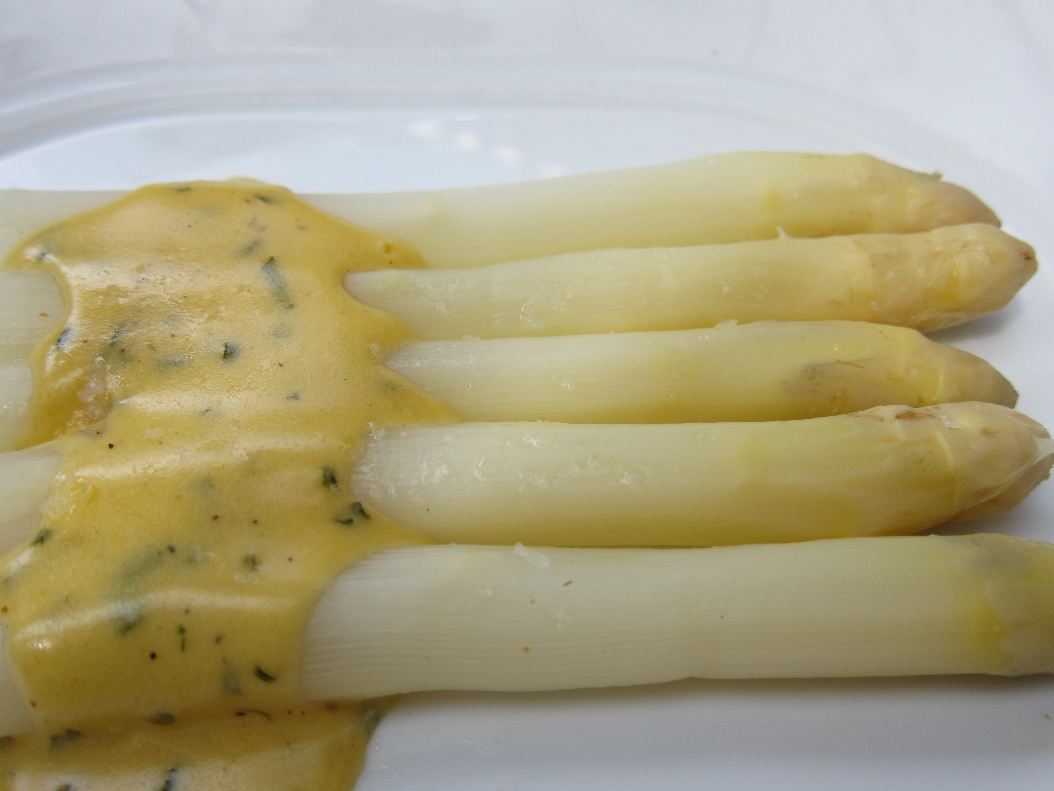Warm White Asparagus with Béarnaise