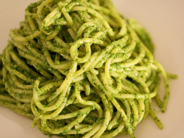 Spaghetti with Green Parsley Pesto