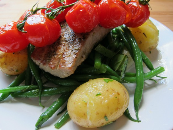 Tuna with Niçoise Veggies