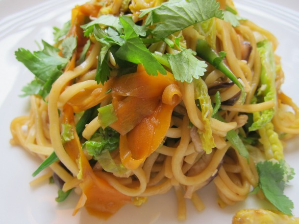 Veggie Lo cheap online levitra Mein with carrots, cabbage, snow peas ...