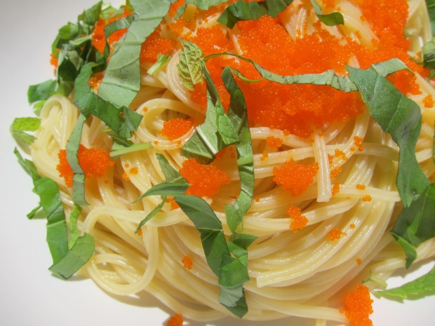 Working Girl Dinners: Spaghetti with Tobiko and Herbs (yes