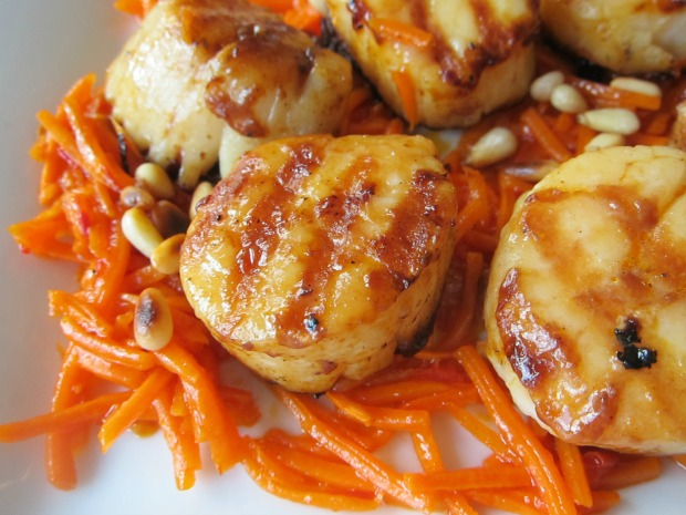 Scallops with Red Harissa Carrots